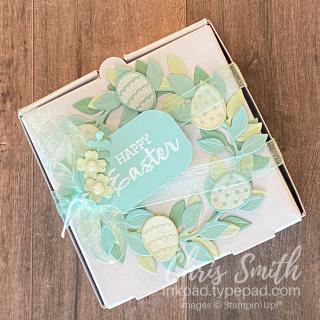 Arrange a Wreath Box
